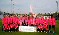 لاعبو فالنسيا يتدربون بقمصان وردية لدعم مكافحة سرطان الثدي