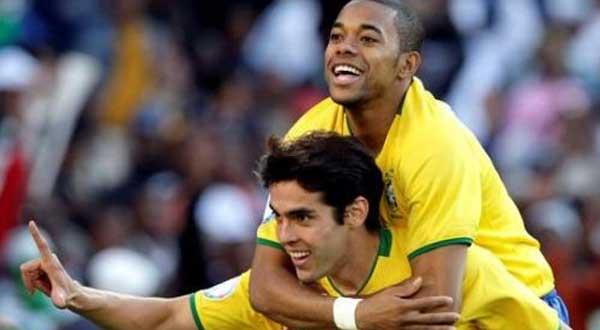 كاكا وروبينيو أحد أهم لاعبي البرازيل