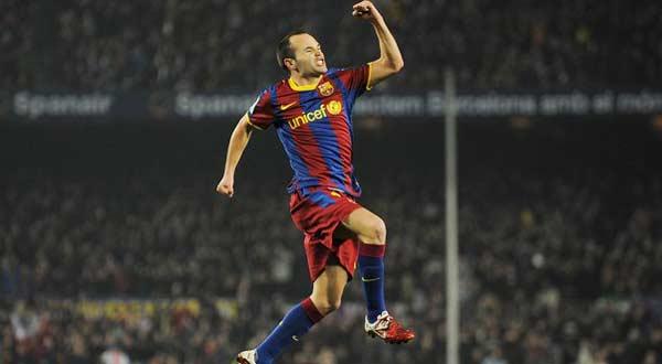 الموسم المقبل سيكون الأصعب على برشلونة iniesta-malaga-60016
