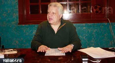 مرتضي منصور يدرس مقاضاة مجلس الأهلي بتهمة السب والقذف