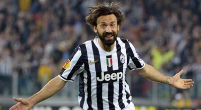 بيرلو يتوج أفضل لاعب في الدوري الإيطالي